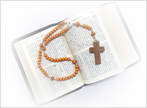 聖書と十字架